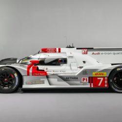 Audi-R18_e-tron_quattro_Racecar_2015_1280x960_wallpaper_03