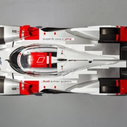 Audi-R18_e-tron_quattro_Racecar_2015_1280x960_wallpaper_07