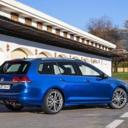 Volkswagen-Golf_R_Variant_2015_1280x960_wallpaper_0c