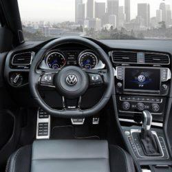 Volkswagen-Golf_R_Variant_2015_1280x960_wallpaper_1c