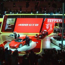 la-ferrari-488-gtb-fa-il-suo-debutto-in-asia-al-salone-di-shanghai-150126_car