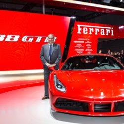la-ferrari-488-gtb-fa-il-suo-debutto-in-asia-al-salone-di-shanghai-150128_car