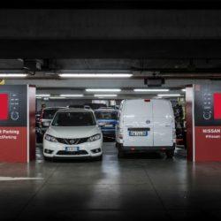 parcheggiare-che-fatica-test-nissan-condotto-a-roma-131618_1_5