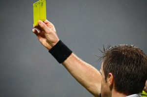 cartellino giallo arbitro