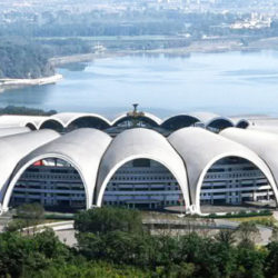 1407153113_Rungrado-May-Day-Stadium-Pyongyang-Corea-del-Nord-150-mila-posti-600x335