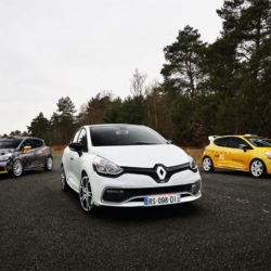 clio-rs-220-trophy_14