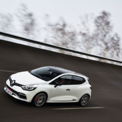 clio-rs-220-trophy_9