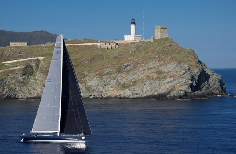 MAGIC CARPET CUBE, Group 0 (IRC >18.05mt), Sail n: GBR1001, Owner: SIR LINDSAY OWEN-JONES rounding the Giraglia Rock