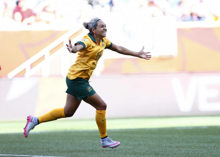 (150613) -- WINNIPEG, June 13, 2015 (Xinhua) -- Australia's Kyah Simon celebrates after scoring her second goal against Nigeria during their group D match at the 2015 FIFA Women's World Cup in Winnipeg, Canada, June 12, 2015. Australia won the match 2-0. (Xinhua/Ding Xu)