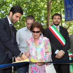 Daniele Bottallo / La Presse 18-06-2015  sport, calcio Juventus - inaugurazione giardino Piero Rava nella foto: un momento dell'evento, Enzo Lavolta, Giovanna Rava  Daniele Bottallo / La Presse 18-06-2015  sport, soccer Juventus - opening the garden Piero Rava in the picture: a moment of the event, Enzo Lavolta, Giovanna Rava