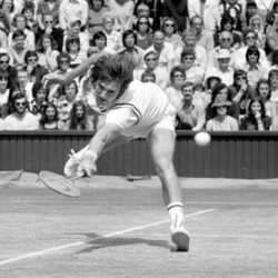 "File photo dated 06-07-1974 of Jimmy Connors in action. PRESS ASSOCIATION Photo. Issue date: Sunday June 22, 2015. A street-fighter on the tennis court, Connors simply never knew when to give up and he used to deploy any tactic he could to psyche out his opponent. The American once said: ""Some people just don't seem to understand that it's damn war out there."" See PA story WIMBLEDON Ultimate Champion. Photo credit should read PA/PA Wire. Wimbledon, le immagini che hanno fatto storiaLaPresse  -- Only Italy"