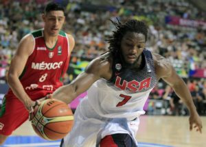 US player Kenneth Faried (R) in action against Mexican Gustavo Ayon (L) during the FIBA Basketball World Cup quarterfinals match match between United States and Mexico at the Palau San Jordi pavilion in Barcelona, northeastern Spain, 06 September 2014. EFE/Andreu Dalmau
