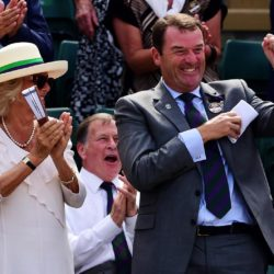 The Duchess of Cornwall applauds as Chairman Philip Brook catches Andy Murray's sweat band on Court 1 during day Four of the Wimbledon Championships at the All England Lawn Tennis and Croquet Club, Wimbledon. PRESS ASSOCIATION Photo. Picture date: Thursday July 2, 2015.  See PA Story TENNIS Wimbledon. Photo credit should read Dominic Lipinski/PA Wire. RESTRICTIONS: Editorial use only. No commercial use without prior written consent of the AELTC. Still image use only - no moving images to emulate broadcast. No superimposing or removal of sponsor/ad logos. Call +44 (0)1158 447447 for further information. Lapresse Only italyTennis - 2015 Wimbledon Championships - Quarto giorno
