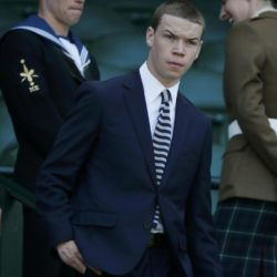 Actor Will Poulter arrives on Centre Court at the Wimbledon Tennis Championships in London, July 9, 2015.                                REUTERS/Stefan Wermuth