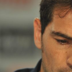 (150712) -- MADRID, July 12, 2015 (Xinhua) -- Real Madrid's goalkeeper Iker Casillas sheds tears during the press conference at the Santiago Bernabeu stadium in Madrid, Spain, July 12, 2015. The 34-year-old Iker Casillas will leave the Spanish La Liga top club for FC Porto after 25 years. (Xinhua/Xie Haining)
