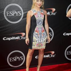Figure skater Tara Lipinski arrives for the 2015 ESPY Awards in Los Angeles, California July 15, 2015.  REUTERS/Danny Moloshok