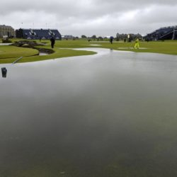 A view of standing water on the course during day two of The Open Championship 2015 at St Andrews, Fife. PRESS ASSOCIATION Photo. Picture date: Friday July 17, 2015. See PA story GOLF Open. Photo credit should read: Owen Humphreys/PA Wire. RESTRICTIONS: Editorial use only - no commercial use. No onward sale. Still image use only. The Open Championship logo and clear link to The Open website (www.TheOpen.com) to be included on website publishing. Call +44 (0)1158 447447 for further info. Lapresse Only italyGolf - The Open Championship 2015 - Secondo giorno