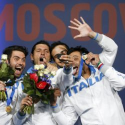 Winners of the men's team sabre competition (L-R) Italy's Enrico Berre, Aldo Montano, Luca Curatoli and Diego Occhiuzzi pose for a picture during a medal ceremony at the World Fencing Championships in Moscow, Russia, July 17, 2015. REUTERS/Grigory Dukor