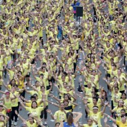 (150719) -- MANDALUYONG CITY, July 19, 2015 (Xinhua) -- People participate in an official attempt to break the Guinness World Record for having the largest Zumba class in Mandaluyong City, the Philippines, July 19, 2015. The Philippines set a new world record for holding the world's biggest Zumba class with a total of 12,975 people taking part in the event. (Xinhua/Rouelle Umali) ****Authorized by ytfs****