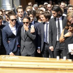 Formula One drivers Jean-Eric Vergne (R) and Felipe Massa (C), friends and relatives gather around the coffin of late Marussia F1 driver Jules Bianchi at the end of the funeral ceremony at the Sainte Reparate Cathedral in Nice, France, July 21, 2015. Bianchi, 25, died in hospital in Nice on Friday, nine months after his crash at Suzuka in Japan and without regaining consciousness.   REUTERS/Jean-Pierre Amet
