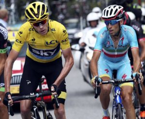 Team Sky rider Chris Froome of Britain (L), the race leader's yellow jersey, climbs followed by Astana rider Vincenzo Nibali of Italy during the 161-km (100 miles) 17th stage of the 102nd Tour de France cycling race from Digne-les-Bains to Pra Loup in the French Alps mountains, France, July 22, 2015.   REUTERS/Stefano Rellandini