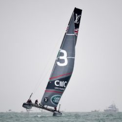 The Land Rover BAR team skippered by Sir Ben Ainslie during day two of the Americas Cup in Portsmouth, UK. PRESS ASSOCIATION Photo. Picture date: Friday July 24, 2015. See PA story SAILING Americas Cup. Photo credit should read: Andrew Matthews/PA Wire Lapresse Only italyVela - Coppa America - Secondo giorno - Portsmouth