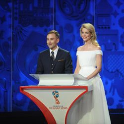 (150725) -- ST.PETERSBURG, July 25, 2015 (Xinhua) -- Presenters Dmitry Shepelev (L) and super model Natalia Vodianova of Russia host the preliminary draw for the 2018 FIFA World Cup at Konstantin Palace in St. Petersburg, Russia July 25, 2015. (Xinhua/Dai Tianfang)