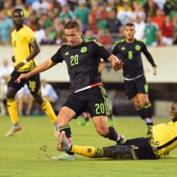 July 26, 2015: Jamaica midfielder Joel McAnuff #10 kicks the ball away from Mexico midfielder Jesus Duenas #20 during the 2015 CONCACAF Gold Cup final between Jamaica and Mexico at Lincoln Financial Field in Philadelphia, Pennsylvania. Mexico defeated Jamaica 3-1. Rich Barnes/CSM. Lapresse Only italyVittoria del Messico nella finale Concaf 2015
