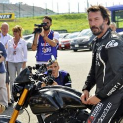 Keanu Reeves bei einer Testfahrt mit seinen Arch KRGT-1 Motorrad beim Suzuka 8 Hours FIM Endurance Rennen auf der Suzuka Rennbahn / 250715***Kenau Reeves at a test drive at Suzuka circuit for the 8 Hours FIM Endurance race, July 25th, 2015*** Lapresse Only italyKenau Reeves in un giro di prova sul circuito di Suzuka per la 8 Ore FIM Endurance *** Local Caption *** 20301932