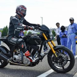 Keanu Reeves bei einer Testfahrt mit seinen Arch KRGT-1 Motorrad beim Suzuka 8 Hours FIM Endurance Rennen auf der Suzuka Rennbahn / 250715***Kenau Reeves at a test drive at Suzuka circuit for the 8 Hours FIM Endurance race, July 25th, 2015*** Lapresse Only italyKenau Reeves in un giro di prova sul circuito di Suzuka per la 8 Ore FIM Endurance *** Local Caption *** 20301937