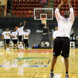 (150731) -- JOHANNESBURG, July 31, 2015 (Xinhua) -- Luol Deng of Team Africa shoots the ball during a practice at Ellis Park Arena, Johannesburg, South Africa, on July 31, 2015. The first NBA Africa Game, which will feature a Team Africa vs. Team World format, will take place at Ellis Park Arena, Johannesburg Sartuday. (Xinhua/Zhai Jianlan)