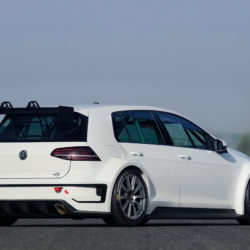 volkswagen-golf-tcr_3