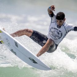 July 29, 2015 - Huntington Beach, CA, USA - Michael Rodrigues of Brazil competes in second round of U.S. Open of Surfing at Huntington Beach, California on Wednesday, July 29, 2015.  ..///ADDITIONAL INFORMATION: usopen.sports.0730-7/29/15- KYUSUNG GONG, STAFF Kyusung Gong – US Open of Surfing Day 5 (Credit Image:  Kyusung Gong/The Orange County Register via ZUMA Wire) Lapresse Only italyU.S. Open of Surfing 2015 a Huntington Beach