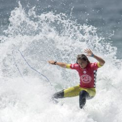 July 29, 2015 - Huntington Beach, CA, USA - Courtney Conlogue competes in third round of U.S. Open of Surfing at Huntington Beach, California on Wednesday, July 29, 2015.  ..///ADDITIONAL INFORMATION: usopen.sports.0730-7/29/15- KYUSUNG GONG, STAFF Kyusung Gong – US Open of Surfing Day 5 (Credit Image:  Kyusung Gong/The Orange County Register via ZUMA Wire) Lapresse Only italyU.S. Open of Surfing 2015 a Huntington Beach