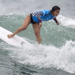 July 29, 2015 - Huntington Beach, CA, USA - Alessa Quizon competes in second round of U.S. Open of Surfing at Huntington Beach, California on Wednesday, July 29, 2015.  ..///ADDITIONAL INFORMATION: usopen.sports.0730-7/29/15- KYUSUNG GONG, STAFF Kyusung Gong – US Open of Surfing Day 5 (Credit Image:  Kyusung Gong/The Orange County Register via ZUMA Wire) Lapresse Only italyU.S. Open of Surfing 2015 a Huntington Beach