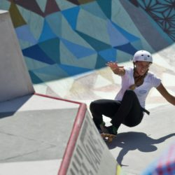 July 28, 2015 - Huntington Beach, CA, USA - Along with the mainstage surfing going on, skateboarding and BMX biking also takes place on the beach, in a pop-up pool during the Vans US Open of Surfing in Huntington Beach, California on Tuesday, July 28, 2015. ..///ADDITIONAL INFORMATION :7/28/15  0729.features.mm - MATT MASIN, STAFF Matt Masin (Credit Image:  Matt Masin/The Orange County Register via ZUMA Wire) Lapresse Only italyU.S. Open of Surfing 2015 a Huntington Beach