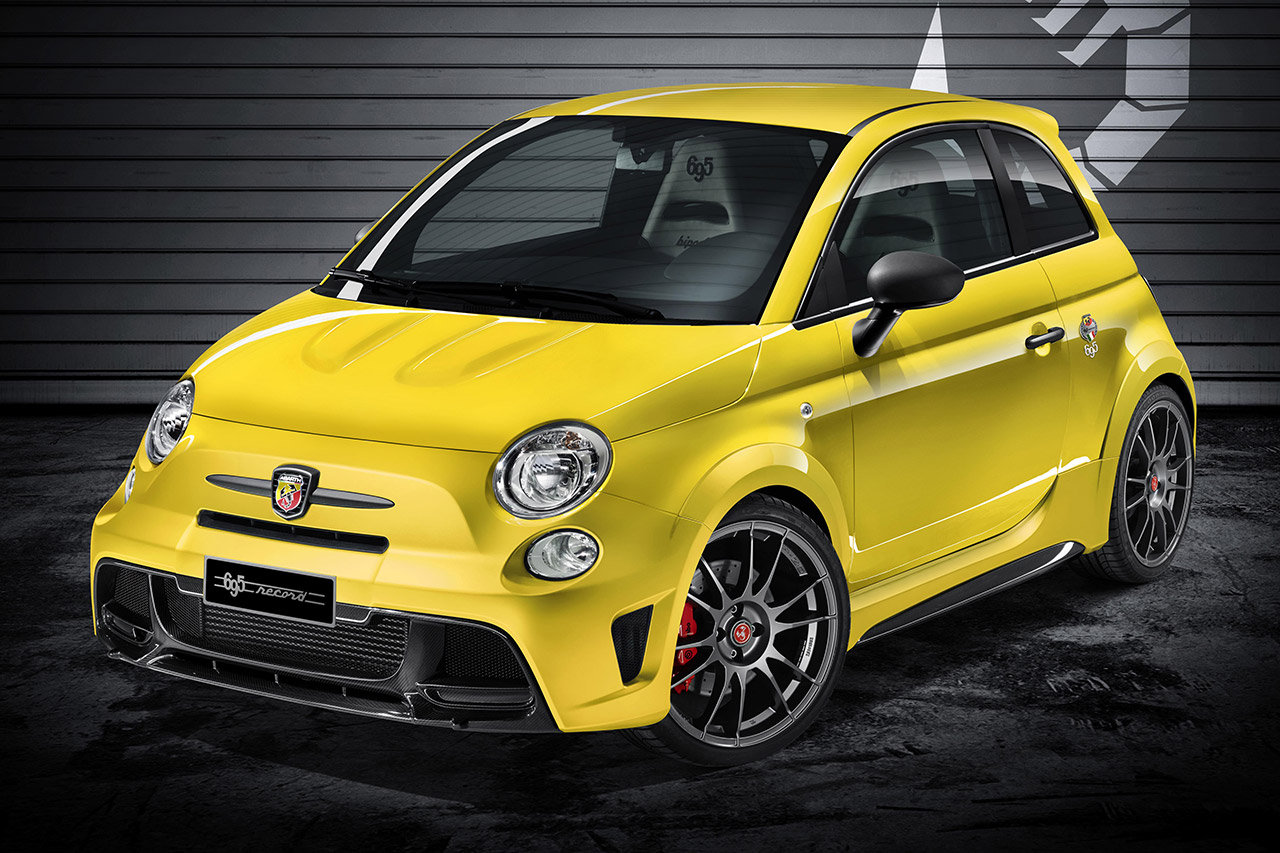 abarth 695 biposto record lo scorpione punge a francoforte foto. Black Bedroom Furniture Sets. Home Design Ideas