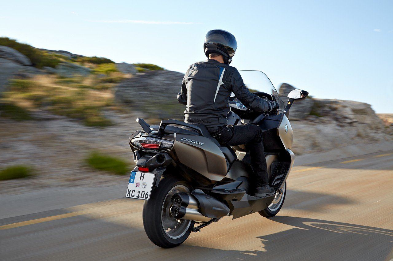 bmw c 650 sport e c 650 gt 2016 rinnovati i maxiscooter sportivi foto. Black Bedroom Furniture Sets. Home Design Ideas
