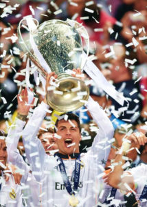 843-cristiano-ronaldo-lifting-la-decima-champions-league-trophy