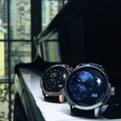 heavenly-hours-with-glashutte-original-the-complexity-and-beauty-of-the-moon-phase-display-panomaticlunar-in-red-gold-with-black-dial-and-in-stainless-steel-with-blue-dial