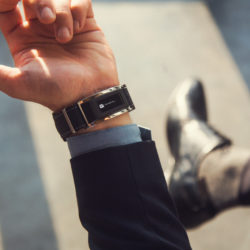 montblanc-timewalker-urban-speed-utc-e-strap-fine-watchmaking-paired-with-latest-wearable-technology-montblanc-e-strap1