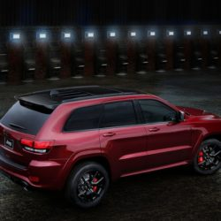 Jeep Grand Cherokee SRT Night (2)