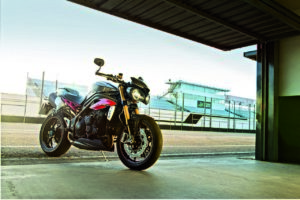 Triumph Speed Triple S e R 2016 (5)