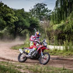 2016-dakar-rally-round-dak16-stage-2-team-hrc-riders-make-a-swift-start-in-the-dakar-2016-dak16_barreda_14137_mc