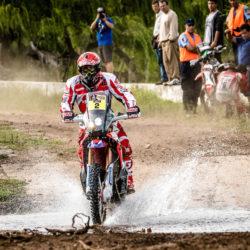 2016-dakar-rally-round-dak16-stage-2-team-hrc-riders-make-a-swift-start-in-the-dakar-2016-dak16_goncalves_30280_mc