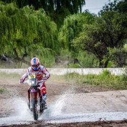 2016-dakar-rally-round-dak16-stage-2-team-hrc-riders-make-a-swift-start-in-the-dakar-2016-dak16_metge_30216_mc