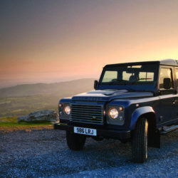 Land Rover Defender (8)