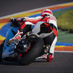 104342-10-959_panigale_actions209