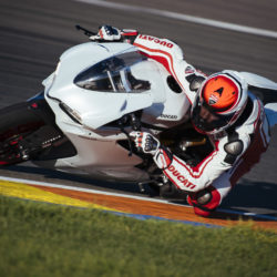 104342-12-959_panigale_actions217