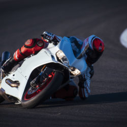 104342-17-959_panigale_actions247